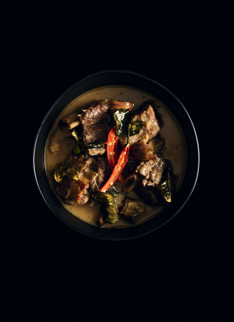 BEEF GREEN CURRY (KAENG KHEAW WAN NUA)