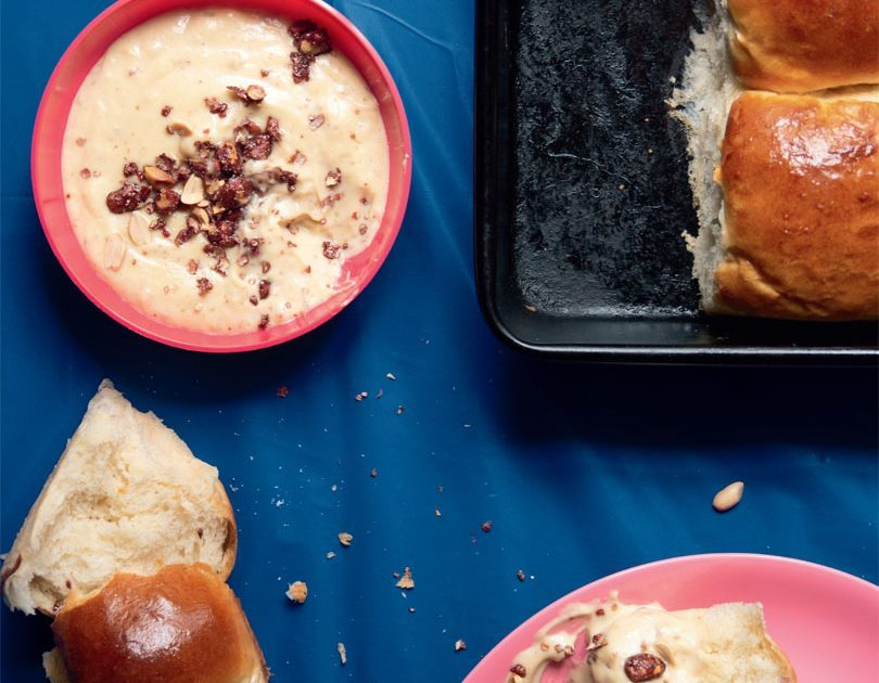 SOFT BUNS WITH PEANUT CUSTARD