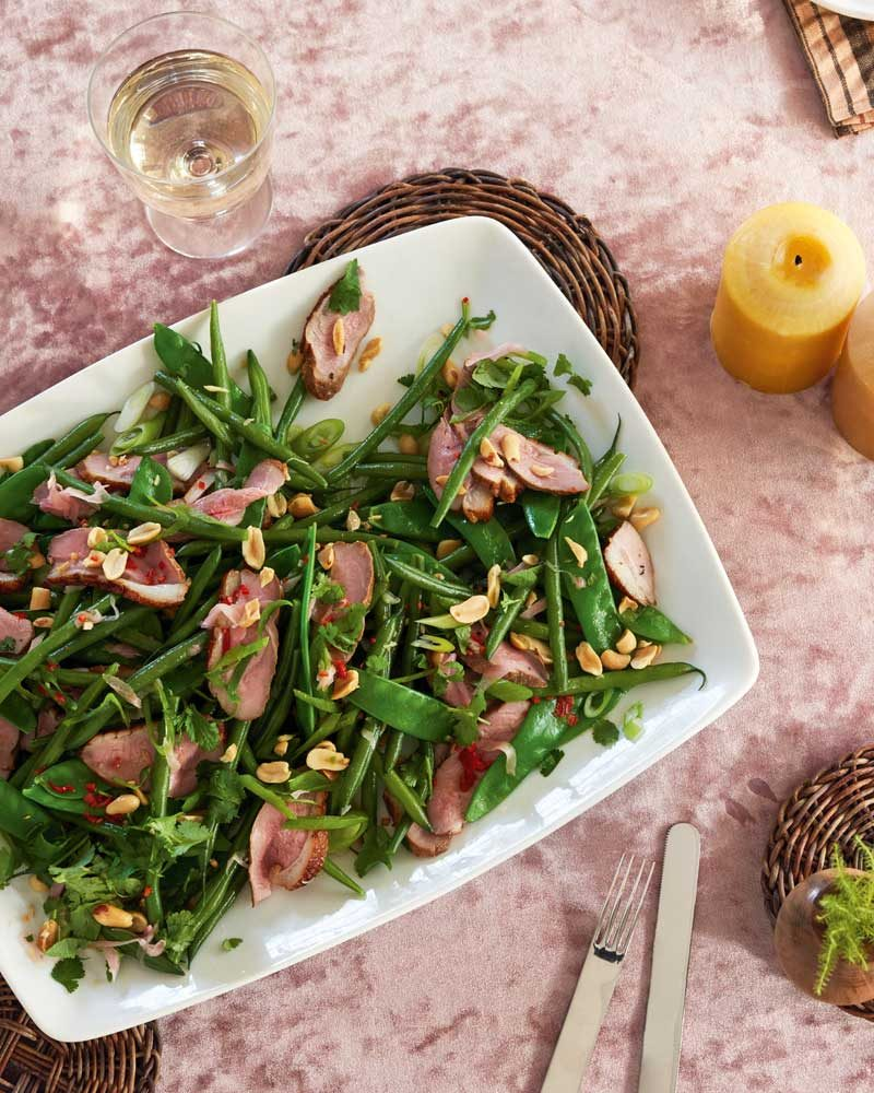 SMOKED DUCK-BREAST SALAD WITH GREEN BEANS & PEANUTS