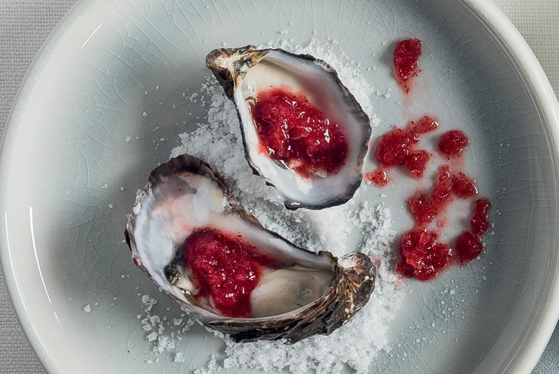 OYSTERS WITH CRANBERRY & PROSECCO GRANITA