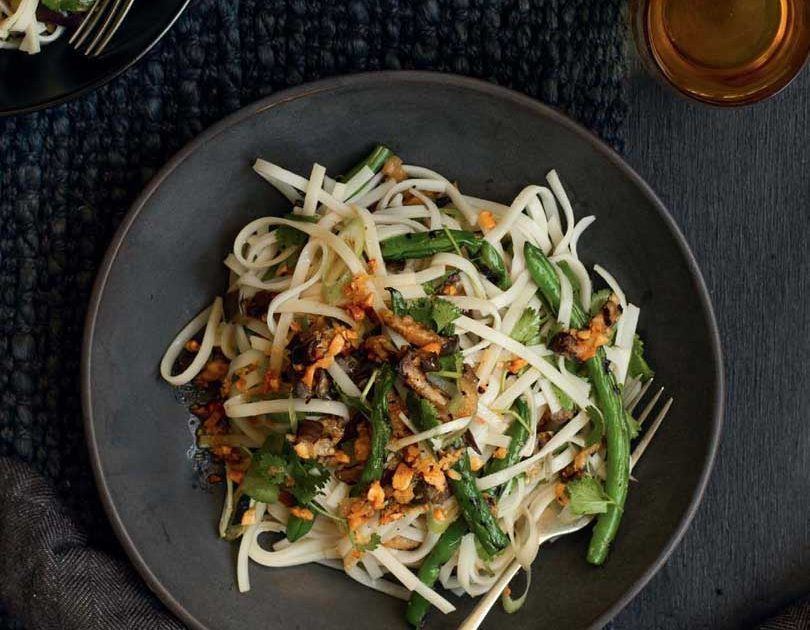 GRILLED GREEN BEAN & EGGPLANT NOODLES WITH TOASTED PEANUT DRESSING