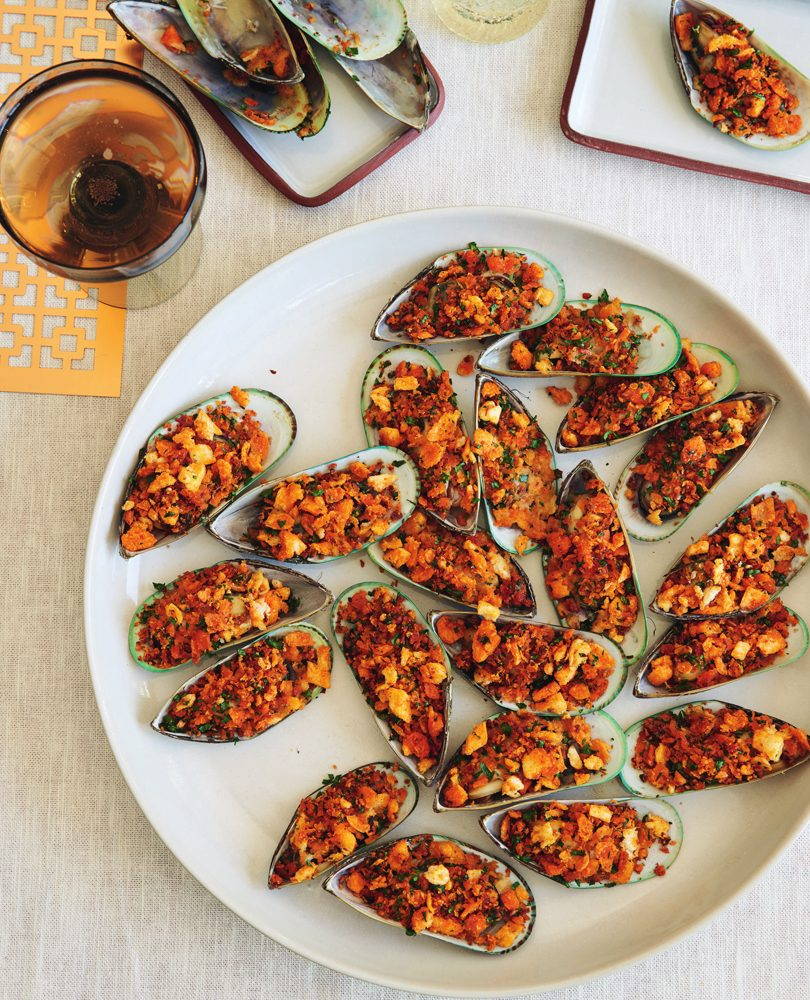 GRILLED MUSSELS WITH 'NDUJA CRUMBS