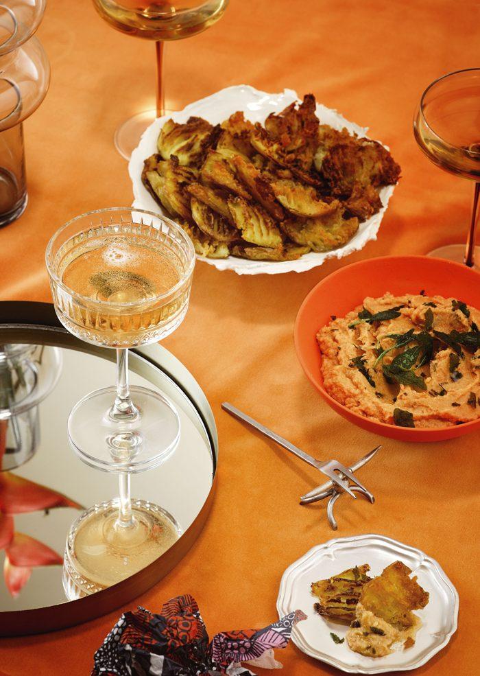 TRUFFLED SMASHED POTATO CHIPS WITH CAULIFLOWER & TOMATO AIOLI