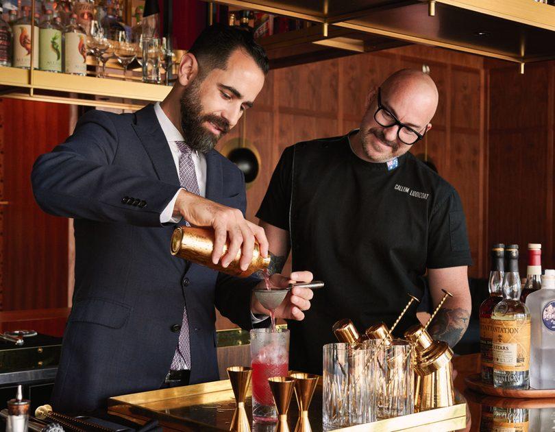BAR BITES / Captain's Bar