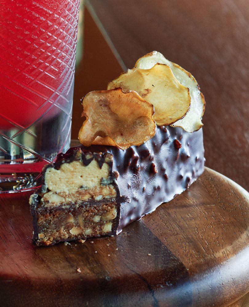 PEANUT BUTTER, CHOCOLATE & HONEYCOMB BAR